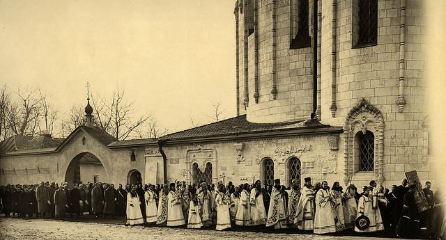 Великое освящение Феодоровского собора 15 января 1914 года. За крестным ходом шествует император Николай II